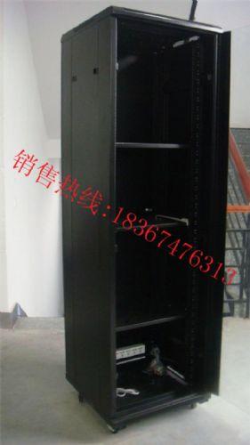 联通信号塔机箱内部设备图片