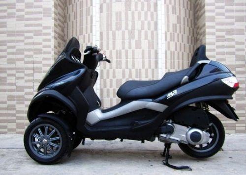 比亚乔mp3-250三轮车