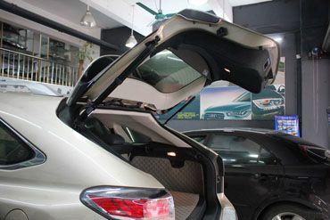 产品安装: 原孔位安装简便 ,对车无改动 【电动尾门系统】:    1