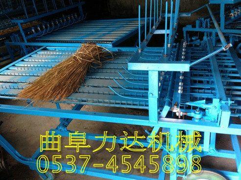 杂草编织机草垫机厂家直销全自动化草帘编织机