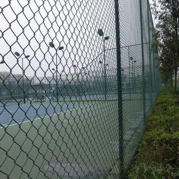 标准护栏网 体育场勾花网定做 包胶防护围网 优质金属网厂