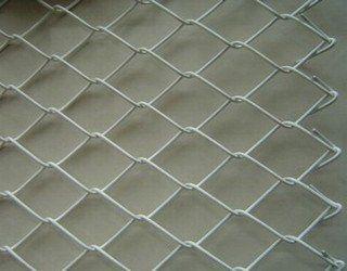 供应防护网片 PVC包胶网 镀锌勾花网免费拿样