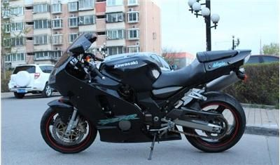 川崎公路赛摩托车