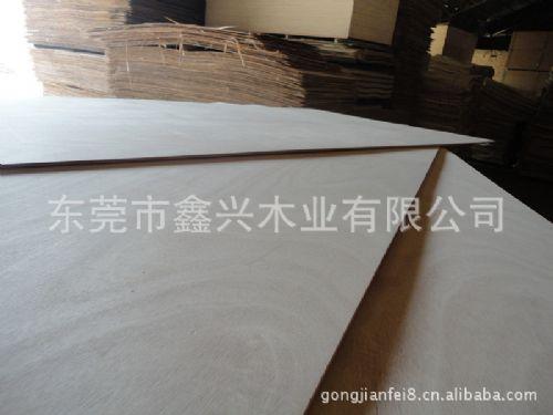 东莞桦木胶合板 空芯刨花板 密度纤维板 欧松板 生产厂家