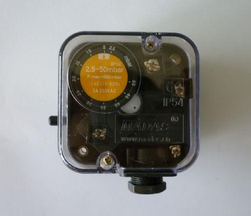 """压力管连接:rp1/4"""" 规格及型号: 型   号 压力开关范围 规格尺寸"""