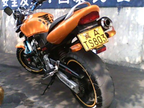 本田小黄蜂250cc摩托车
