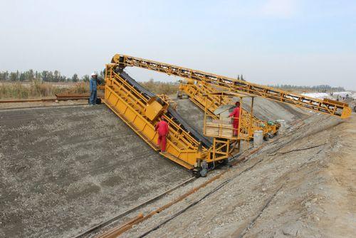 供应工程用渠道衬砌机