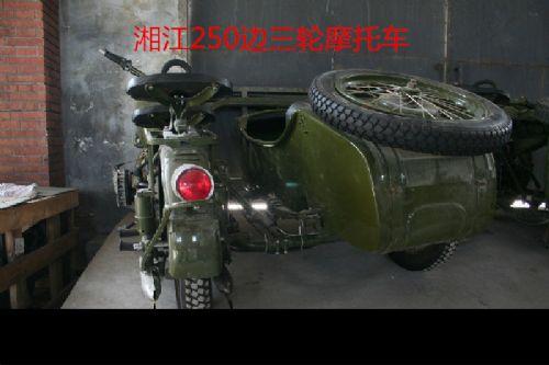 驱动继电器   jn4-12 前大灯     12v60/55w 价格:4900元 随 车 赠 品