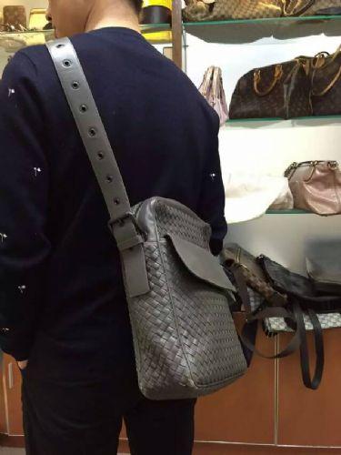 BV男包出售小牛皮编织斜挎包BV包包单肩包