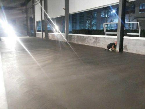 济宁邹城哪个厂家承包做车间金刚砂耐磨地面