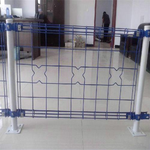厂家直销养殖球场围栏勾花网pvc包塑勾花网镀锌低碳钢丝勾花网