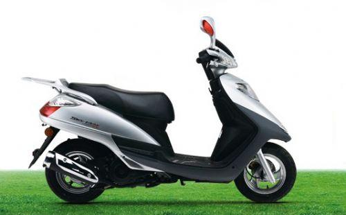 厂家直销铃木天玉UZ125T-A踏板车