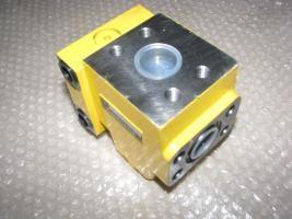 小松挖掘机配件pc-6自减压阀