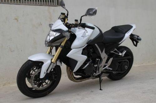 本田大黄蜂1000 摩托车
