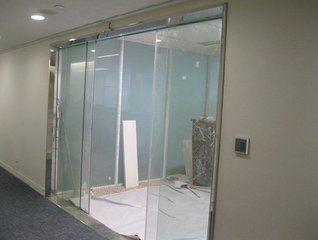 上海玻璃门电子锁门禁安装玻璃门门夹维修51873953