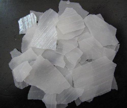 片碱 烧碱 片状氢氧化钠