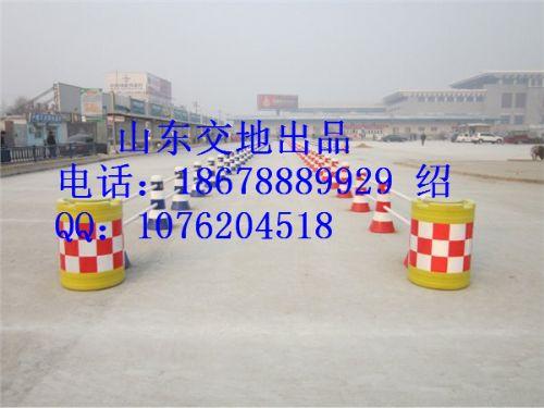 济南道路使用防撞桶,厂家直供隔离墩-