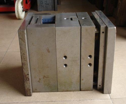 福永回收五金模具手机模具电子模具玩具模具收购