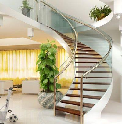 钢木楼梯靠墙安装是理想的位置