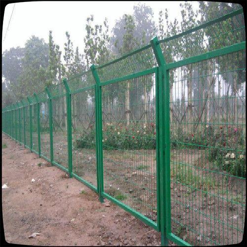供应广东湛江公路隔离栅|公路围栏网生产厂家
