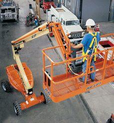 曲臂型高空作业车,曲臂自行走升降平台,自行式曲臂升降车