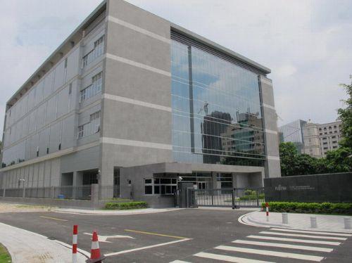 广州市距离仅3公里,三山港运码头仅5公里,佛山市火车站15公里,飞机场