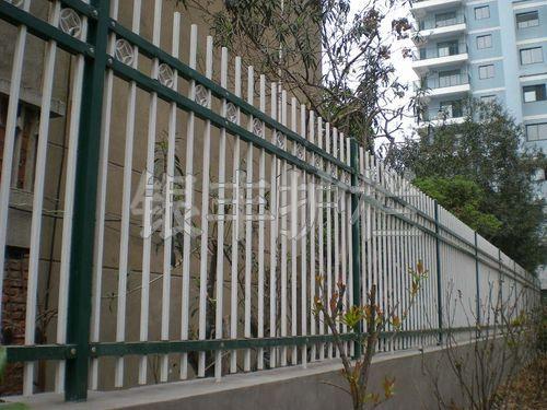 厂家供应铁路护栏网 铁路隔离栅 双边丝护栏  浸塑护栏网