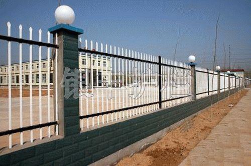 河南新乡热镀锌栅栏、.锌钢围栏、定做锌钢护栏