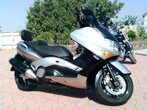 雅马哈T Max500摩托车踏板车