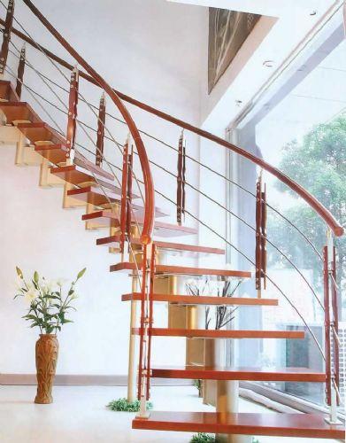 钢木楼梯提升建材质量与家居装修风格