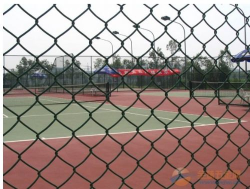 济南菱形编织勾花网 体育场围网 足球场隔离防护 篮球场围栏