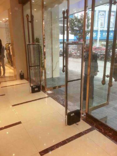 专业维修安装调试服装防盗门,超市防盗门,服装安全门,超市安全门