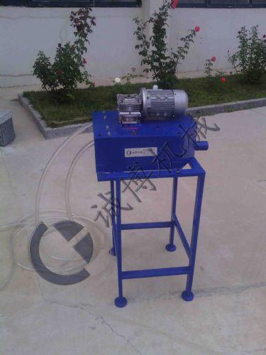 清洗液管式除油机原理