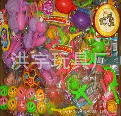 热卖便宜A类货源 婴儿摇铃玩具称斤批发 澄海洪宇玩具厂家直销