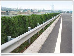成都波形护栏、W板护栏、工程波形护栏板、高速护栏、护栏板、双波护