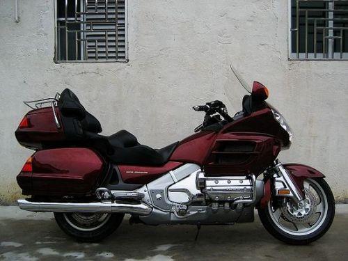 本田金翼GL1800摩托车