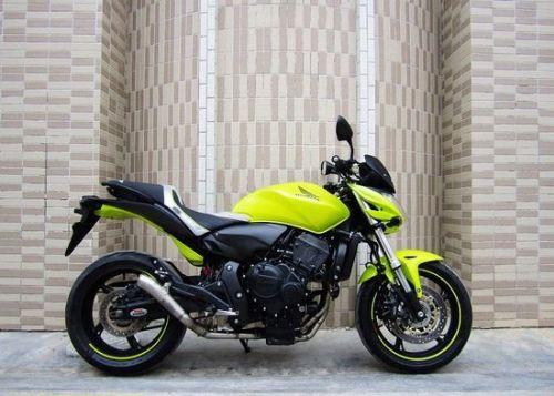 本田大黄蜂600摩托车