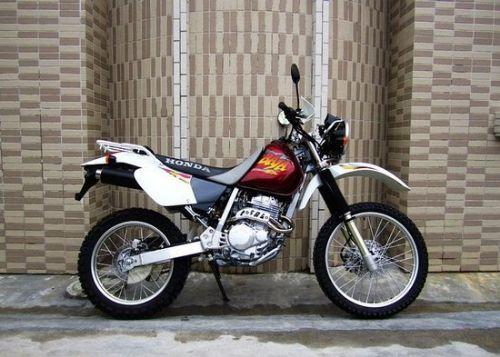 本田XR250摩托车