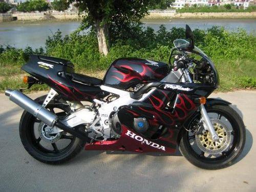 本田CBR400RR摩托车