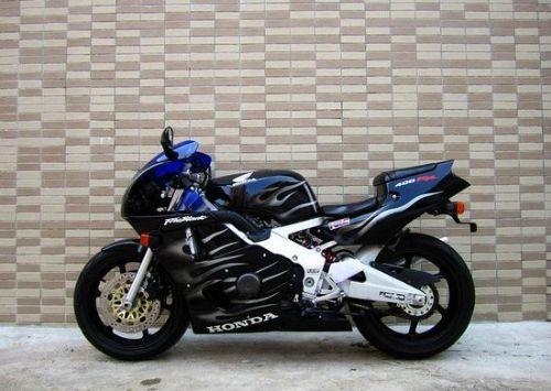 本田CBR400RRR
