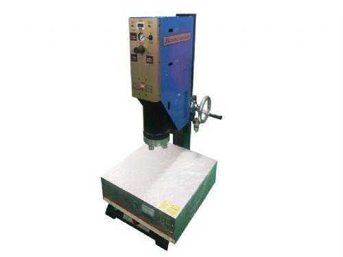 专业厂家供应 高精度 方立柱超声波塑焊机