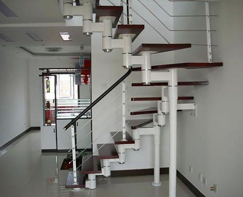 钢木楼梯之如何选择适合自己的