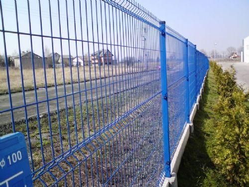 三角折弯护栏网大量供应