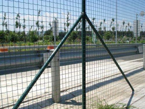 公路焊接网隔离栅栏大量供应