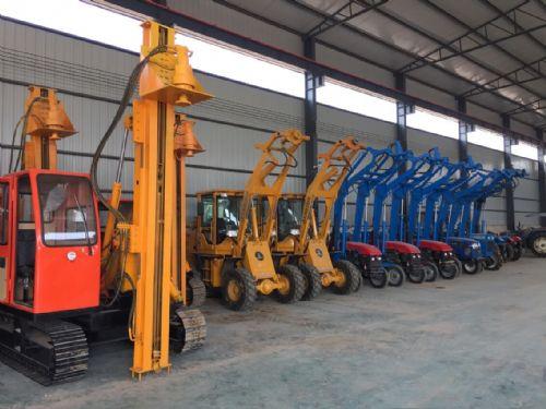 拖拉机电线杆挖坑机装载机光伏挖坑机