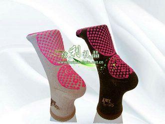 托玛琳自发热袜子加工会销礼品