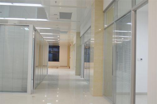 广西办公玻璃隔断-工期短 超低价格请找南宁兆拓