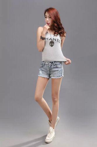 时尚潮流新款牛仔短裤低价批发女式短裤便宜批发男女T恤批发