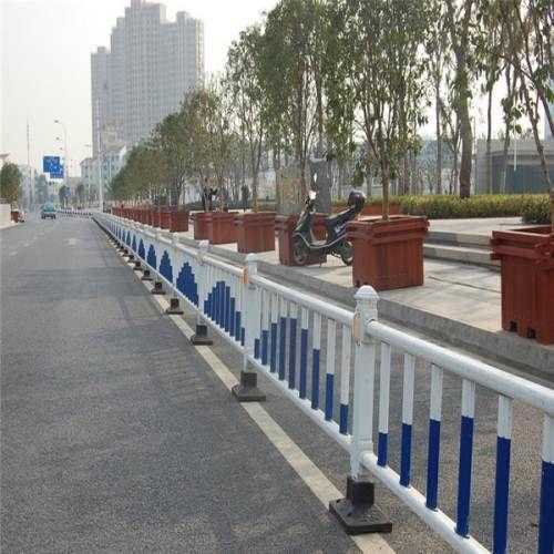 厂家供应 市政道路锌钢护栏 交通隔离护栏网 批发