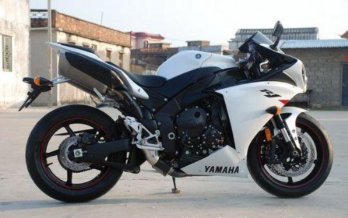 供应进口公路赛摩托车雅马哈R1跑车多少钱